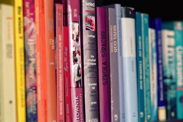 barvené knihy