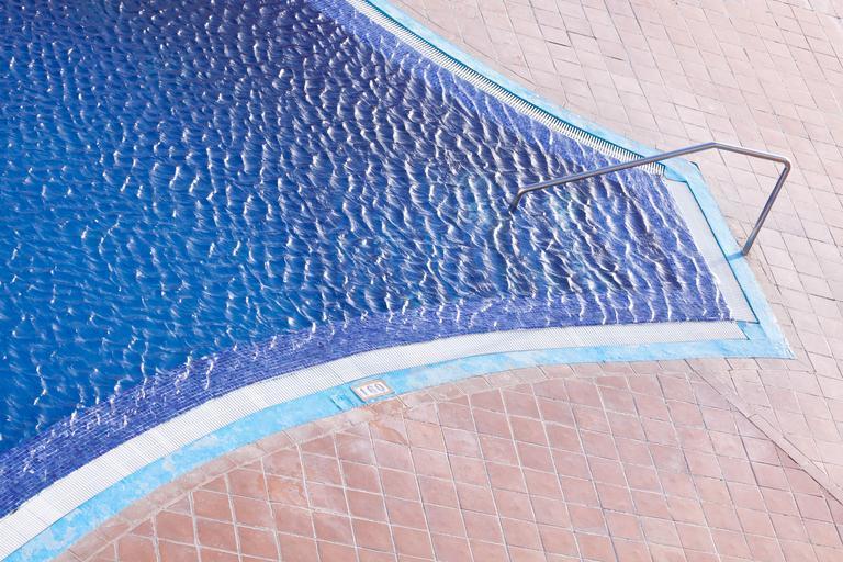 neobvyklý bazén