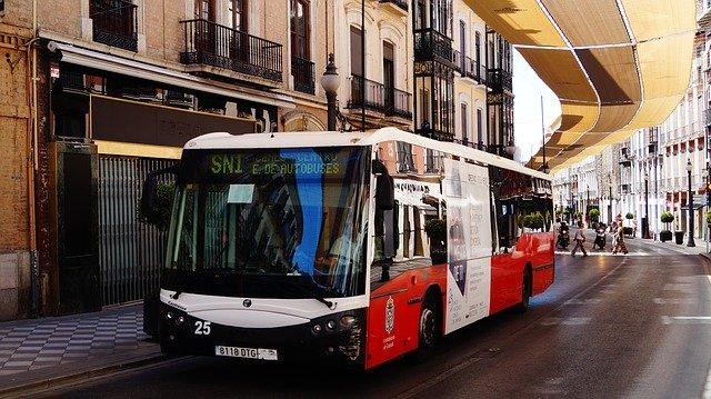 Jedoucí autobus