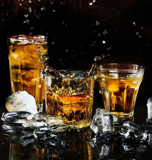 skleničky whisky